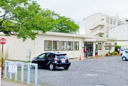 武蔵村山市立中久保図書館の画像1