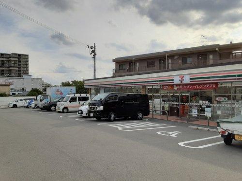 セブン-イレブン 吹田朝日が丘店の画像