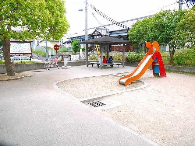 櫟本駅前公園の画像