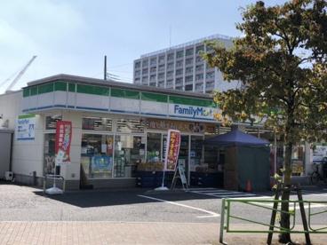 ファミリーマート 東京成徳学園前店の画像1