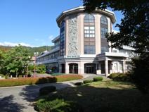 諏訪中学校