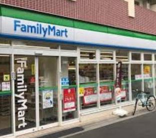 ファミリーマート中村橋駅西店の画像1