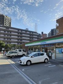 ファミリーマート吹田千里山西店の画像1