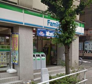ファミリーマート新宿天神町店の画像1