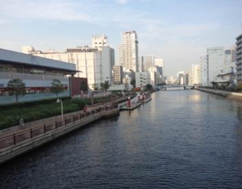 新芝運河沿緑地の画像1