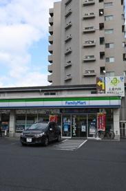 ファミリーマート 小倉上到津二丁目店の画像1