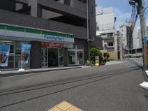 ファミリーマート 町田駅南口店