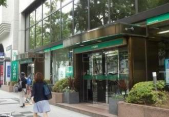 りそな銀行 御堂筋支店の画像1