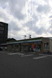 ファミリーマート 小倉明和町店の画像1