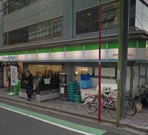 ファミリーマート・東京医科大学前店の画像1