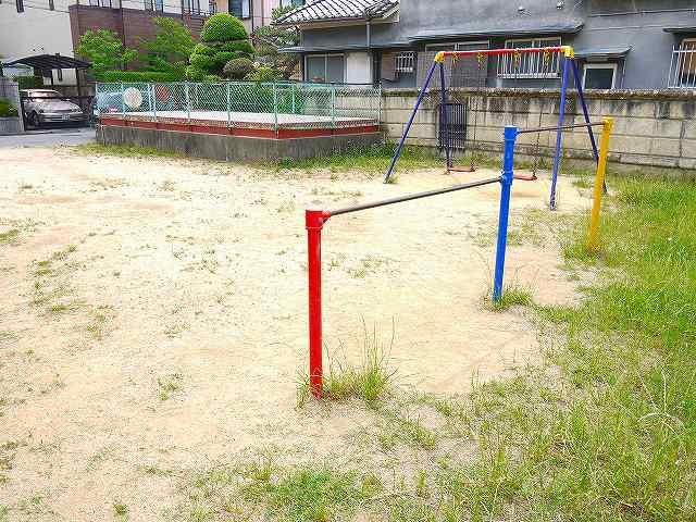 柳本駅前住宅公園の画像