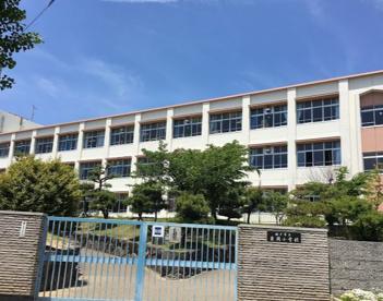 神戸市立岩岡小学校の画像1