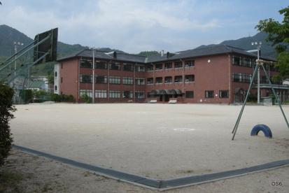 坂町立小屋浦小学校の画像1