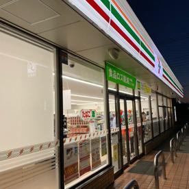 セブンイレブン 高崎南大類町店の画像1