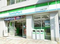 ファミリーマート 上大崎店