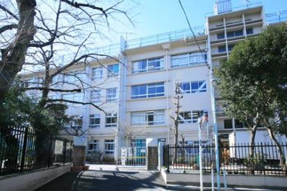 豊島区立駒込中学校の画像1