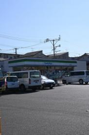ファミリーマート 小倉上富野店の画像1