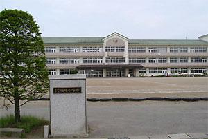 羽場小学校の画像1