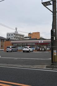 セブンイレブン 小倉井堀4丁目店の画像1