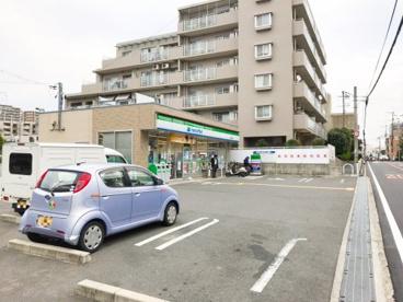 ファミリーマート 吹田長野西店の画像1