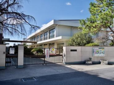 奈良市立佐保小学校の画像1