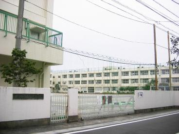 松沢中学校の画像1