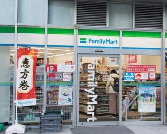 ファミリーマート 銀座昭和通り店の画像1