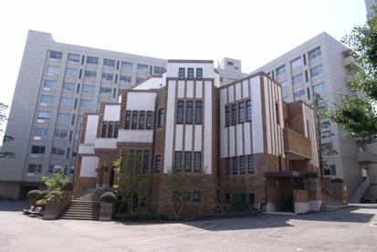 駒沢大学図書館の画像1