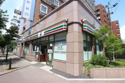 セブンイレブン大阪宮原2丁目店の画像1