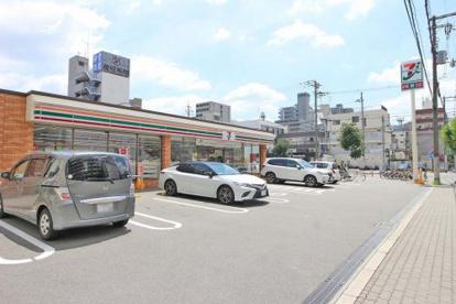 セブンイレブン大阪東三国4丁目店の画像1