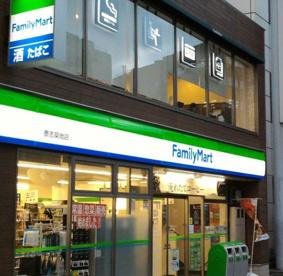 ファミリーマート 泰志築地店の画像1