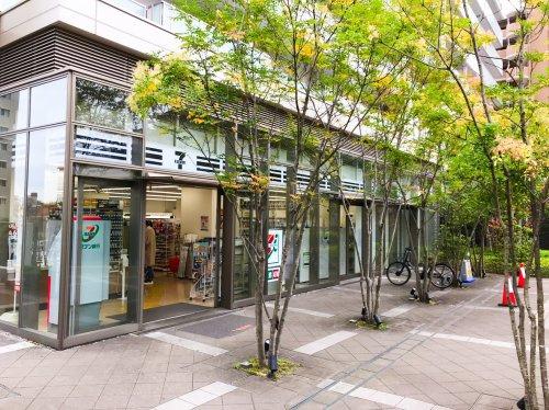 セブン-イレブン 阪急山田駅前店の画像