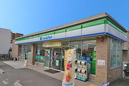 ファミリーマート 吹田江坂5丁目店の画像1