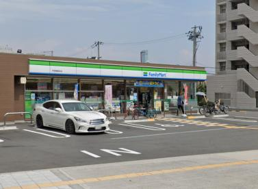 ファミリーマート芦原駅前店の画像1