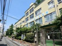 新宿区立大久保小学校