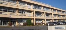 伊奈東小学校