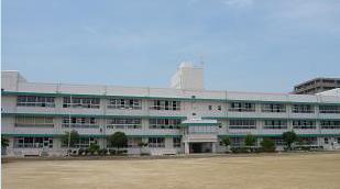 茨木市畑田小学校の画像1