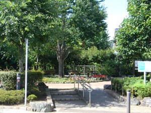 八幡山かまのくち緑地の画像1