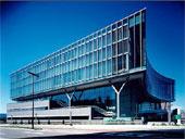 岩手県立図書館の画像1