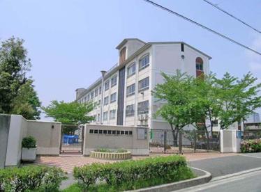 豊中市立新田南小学校の画像1