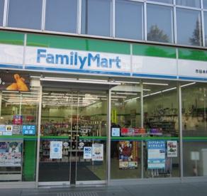 ファミリーマート市谷本村町店の画像1