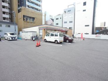 セブンイレブン 名古屋春岡1丁目店の画像1