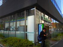 ファミリーマート青山外苑東通り店