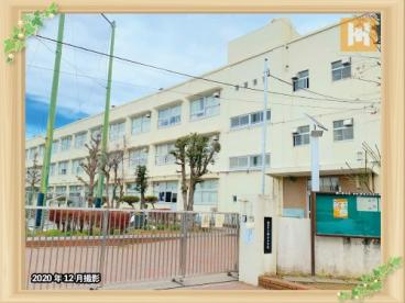 鶴ケ峯中学校の画像1