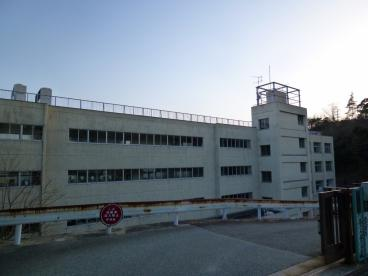 宝塚市立 中山桜台小学校の画像2