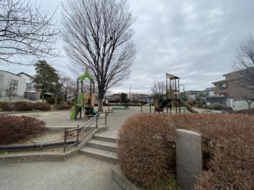 瀬谷駅北口公園の画像1