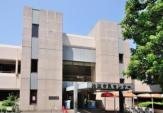 狛江市立中央図書館