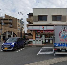 セブンイレブン 京都桂上野店の画像1