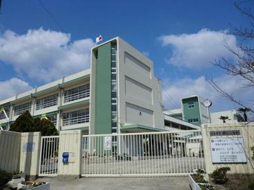 茨木市立郡山小学校の画像1