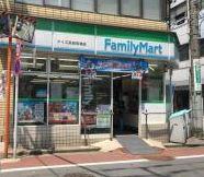 ファミリーマートアイズ高田馬場店の画像1